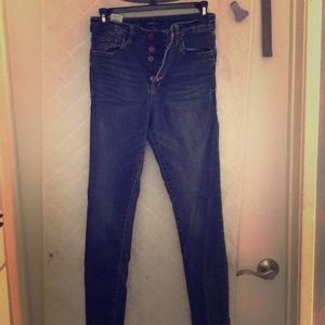 Denim - High wasted button fly jeans